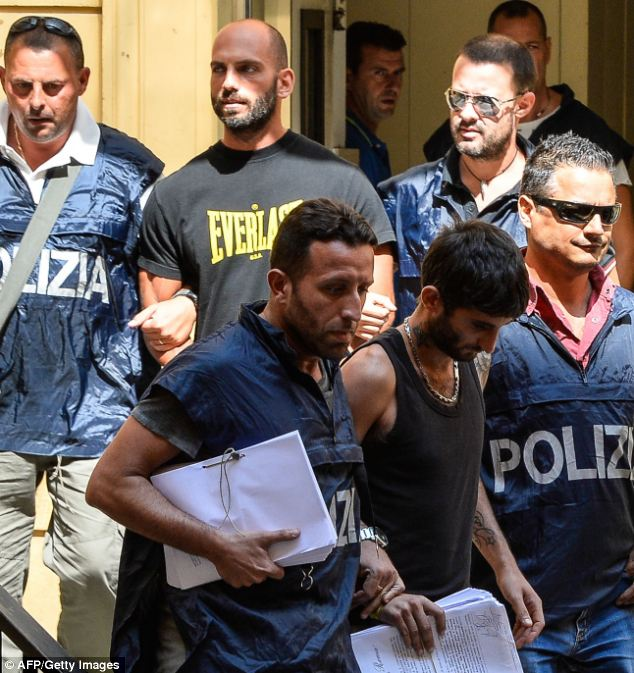 italian-mafia-raids