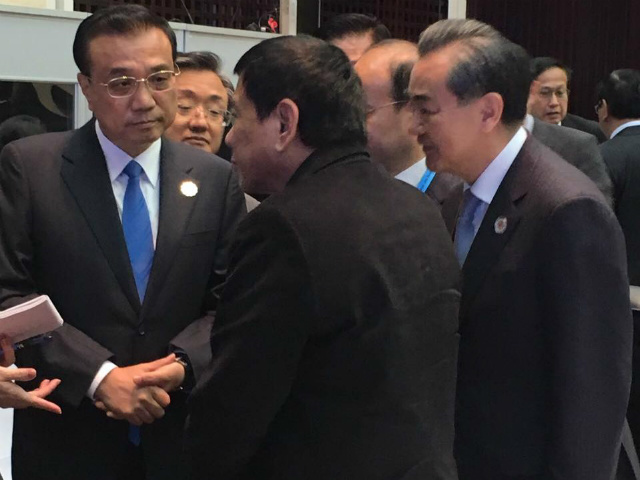 duterte-chats-with-chinese-premier-l