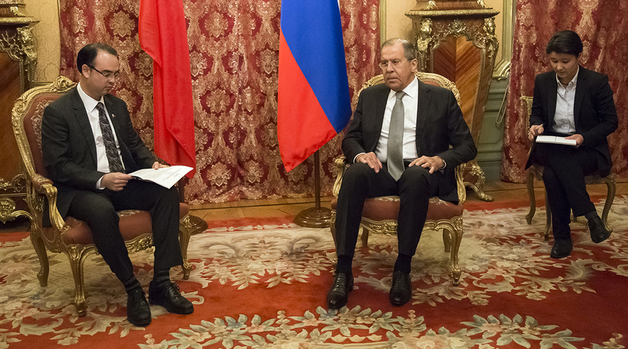 Foreign Minsiter Sergey Lavrov (R), Philippine Secretary of Foreign Affairs Alan Peter Cayetano (L), May 25, 2017. © mid.ru