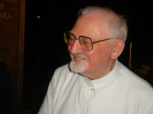 Black Pope Kolvenbach Asks 6 Months More Before Setting The World Free « Request Denied