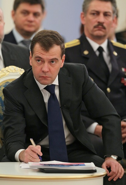 Medvedev lashes back re Obama's interference