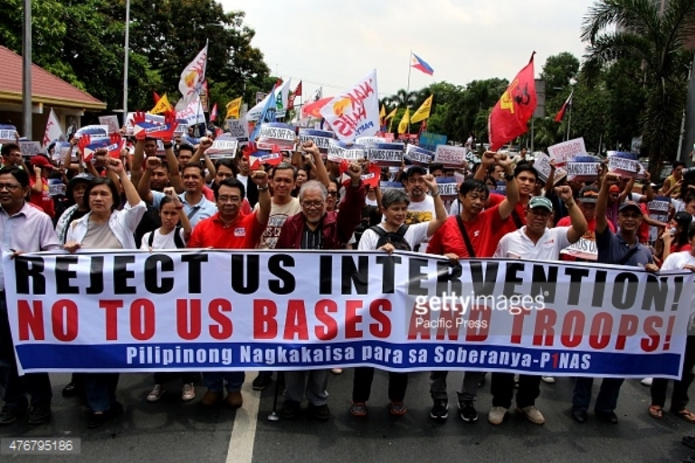 MANILA, PHILIPPINES - 2015/06/12: In celebration of 117th Philippine Independence Day multi-sectoral groups protest near US Embassy in Manila City to call for the hands-off of China and US to Philippine Islands dispute in Western Sea. (Photo by Gregorio B. Dantes Jr./Pacific Press/LightRocket via Getty Images)
