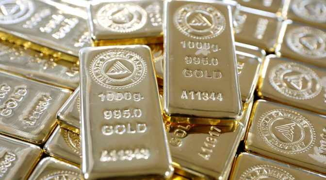 Gold Demand up 42%, Countries Abandon US Dollar Amidst Geopolitical Shift