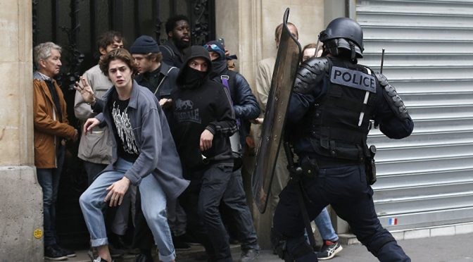 We're at Breaking Point | French Police